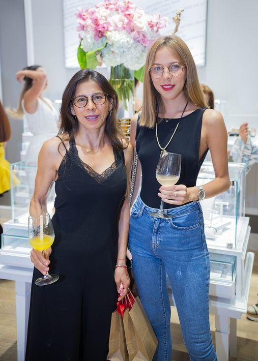 Lilian Delgado y Daniela Pulido, en la apertura de la tienda Tous en The Mall of San Juan.