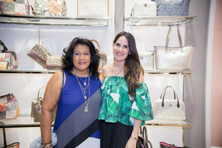 Alejandra Texidor y Verónica Ramos, en la apertura de la tienda Tous en The Mall of San Juan.