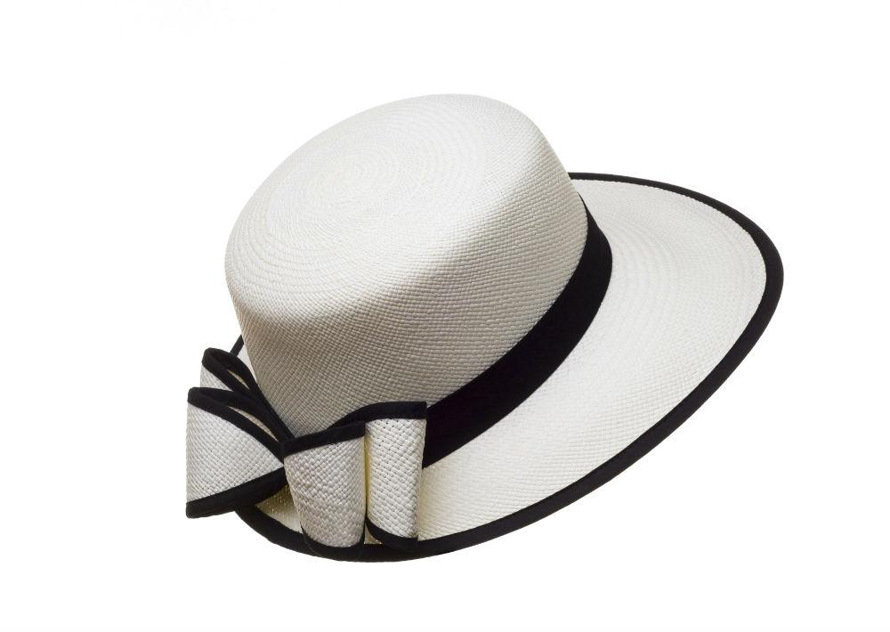 "Sombrero modelo ""Viser White"", de El Galpón en Viejo San Juan. (Foto: Suministrada)"