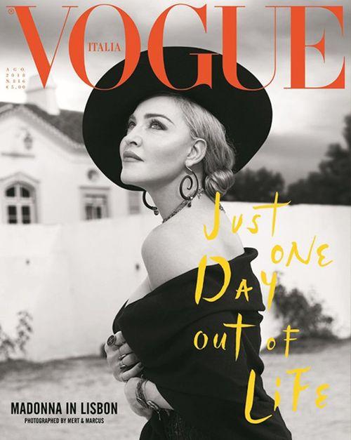 2018 - La cantante aparece este mes en la portada de la edición italiana de la revista Vogue. Las fotografías fueron tomadas por Mert Atlas. (Archivo)