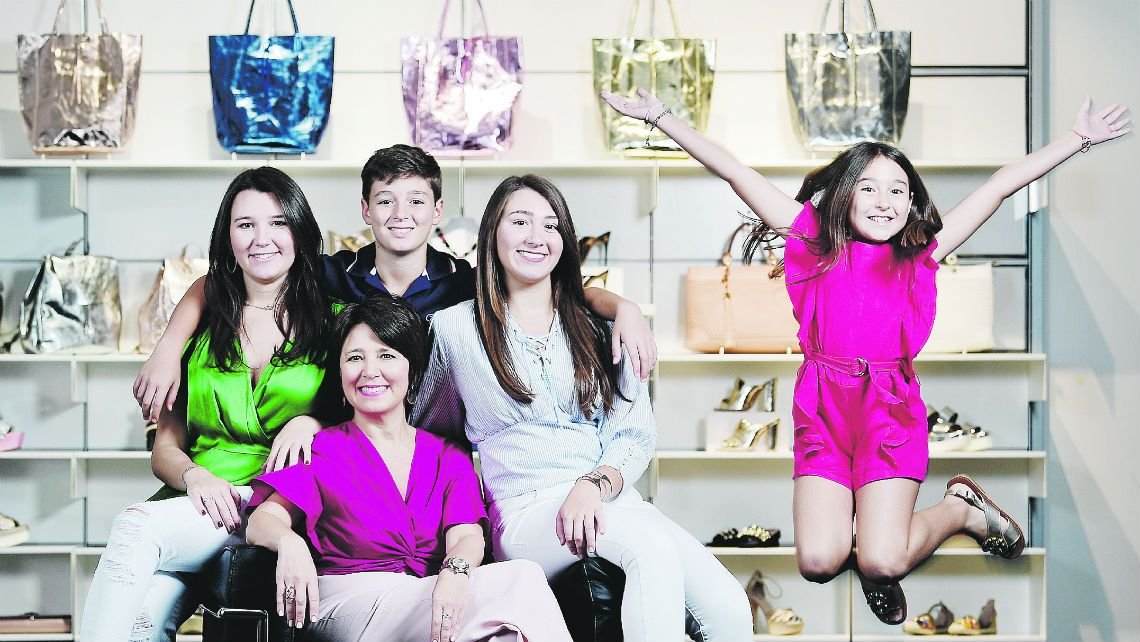 Sandra Castellón una mujer con su familia como baluarte