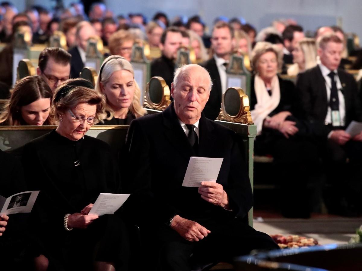 Rey de Noruega cede temporalmente el trono por razones de salud