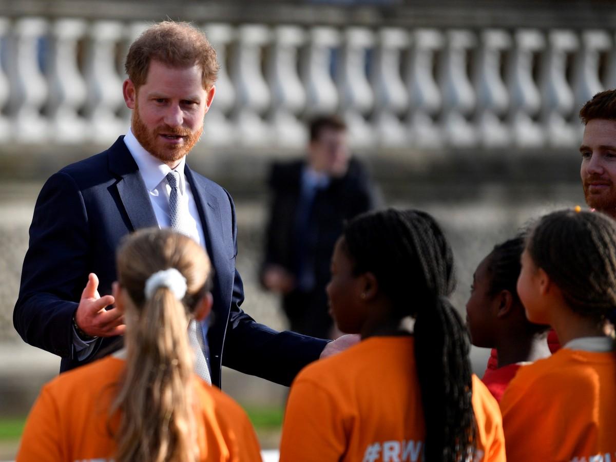 Harry retoma su actividad pública tras anunciar su retirada de la realeza