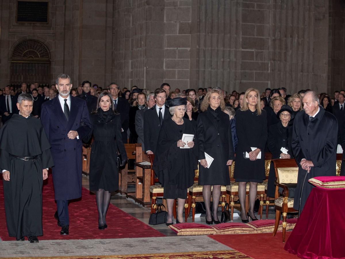 Dan el último adiós a la tía del rey de España