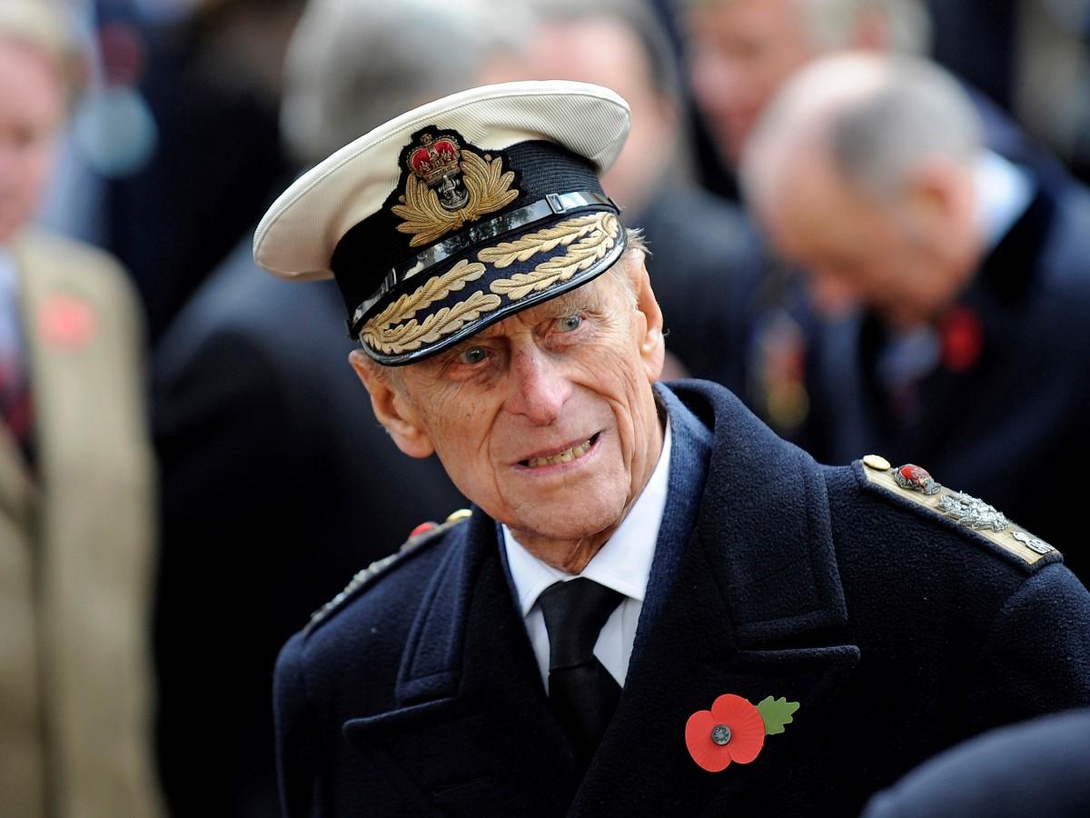 El príncipe Philip nombra herederos a empleados de confianza