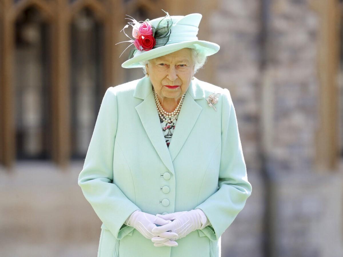 Elizabeth II acepta recomendación médica de descansar unos días