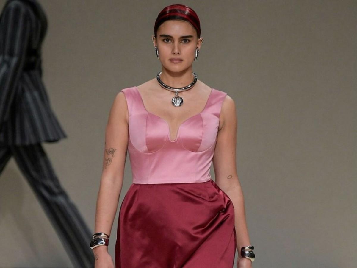 Modelos de talla media ganan protagonismo en desfiles, catálogos y campañas
