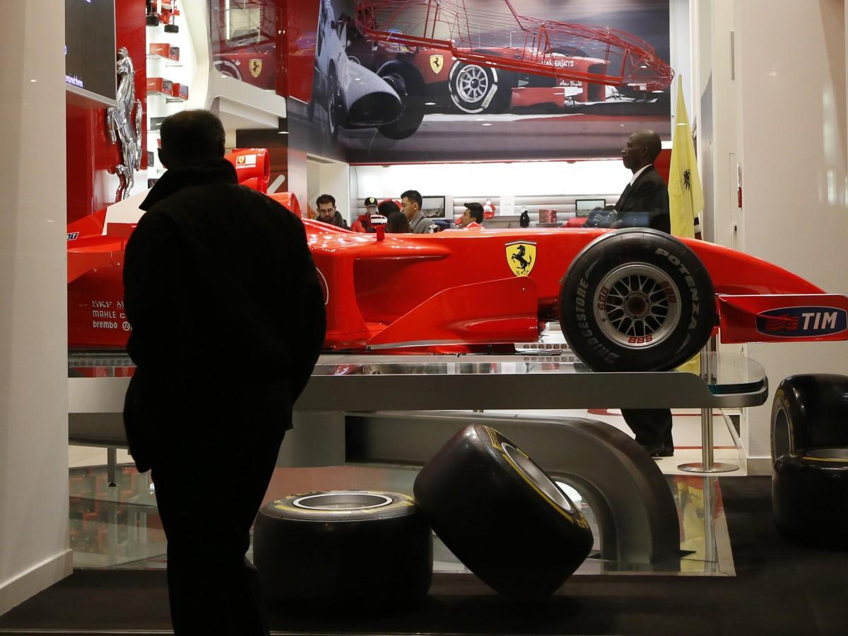 Ferrari creará una línea de ropa con Giorgio Armani