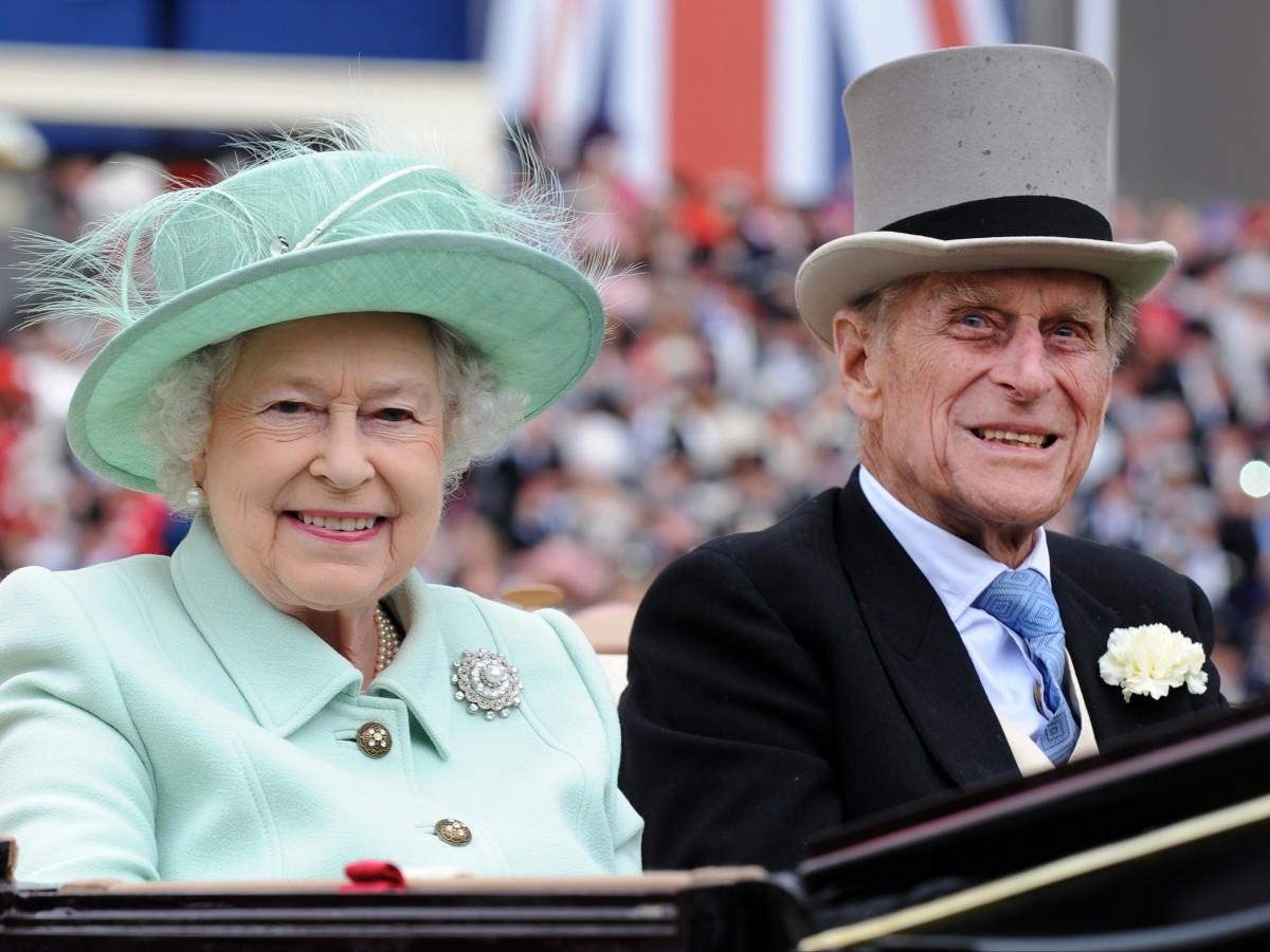 Familiares y amigos felicitan a Philip de Edimburgo en su cumpleaños 99