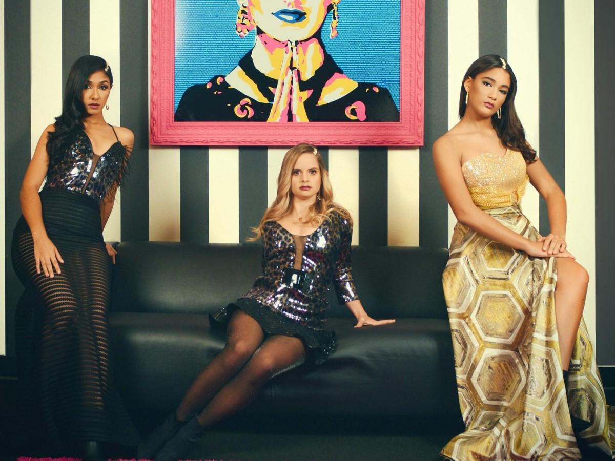 Diseñadora afectada por el terremoto se prepara para presentarse en la Semana de la Moda de Nueva York