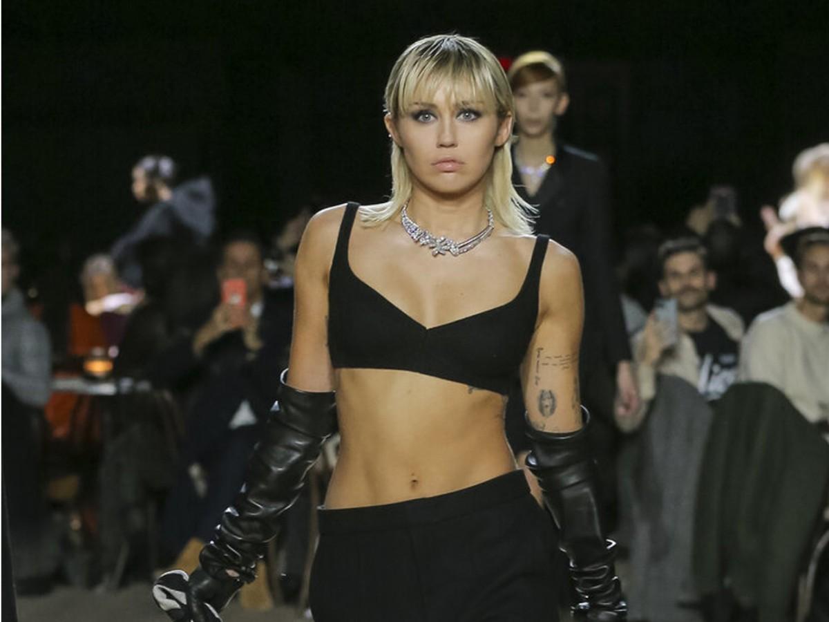 De Miley Cyrus a Lena Dunham, modelos por un día sobre la pasarela