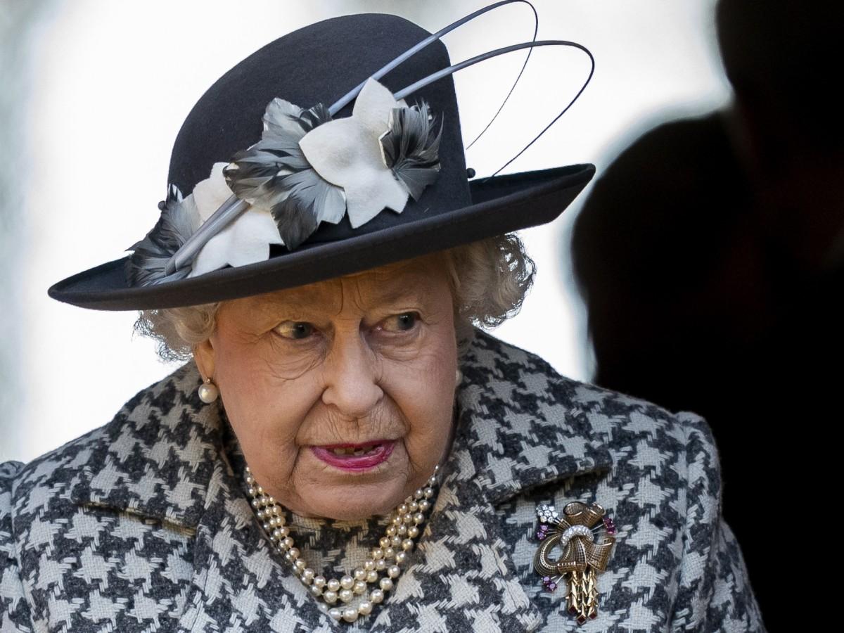 """Elizabeth II hace llamado a la """"autodisciplina"""" ante la emergencia por el COVID-19"""