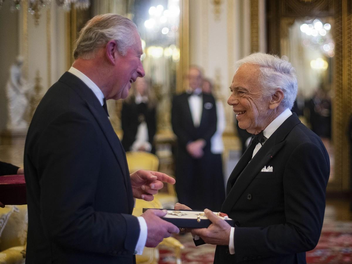 Ralph Lauren recibe título de caballero honorario en Londres