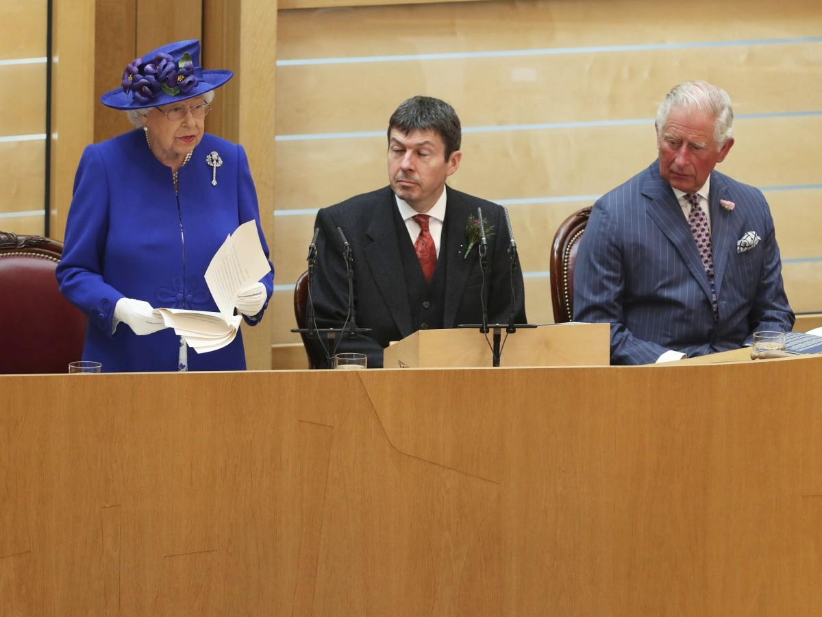 Elizabeth II destaca la prosperidad que el autogobierno ha brindado a Escocia