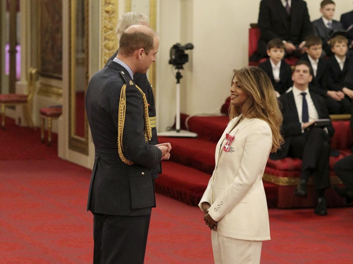 El príncipe William honra a la cantante británica M.I.A.