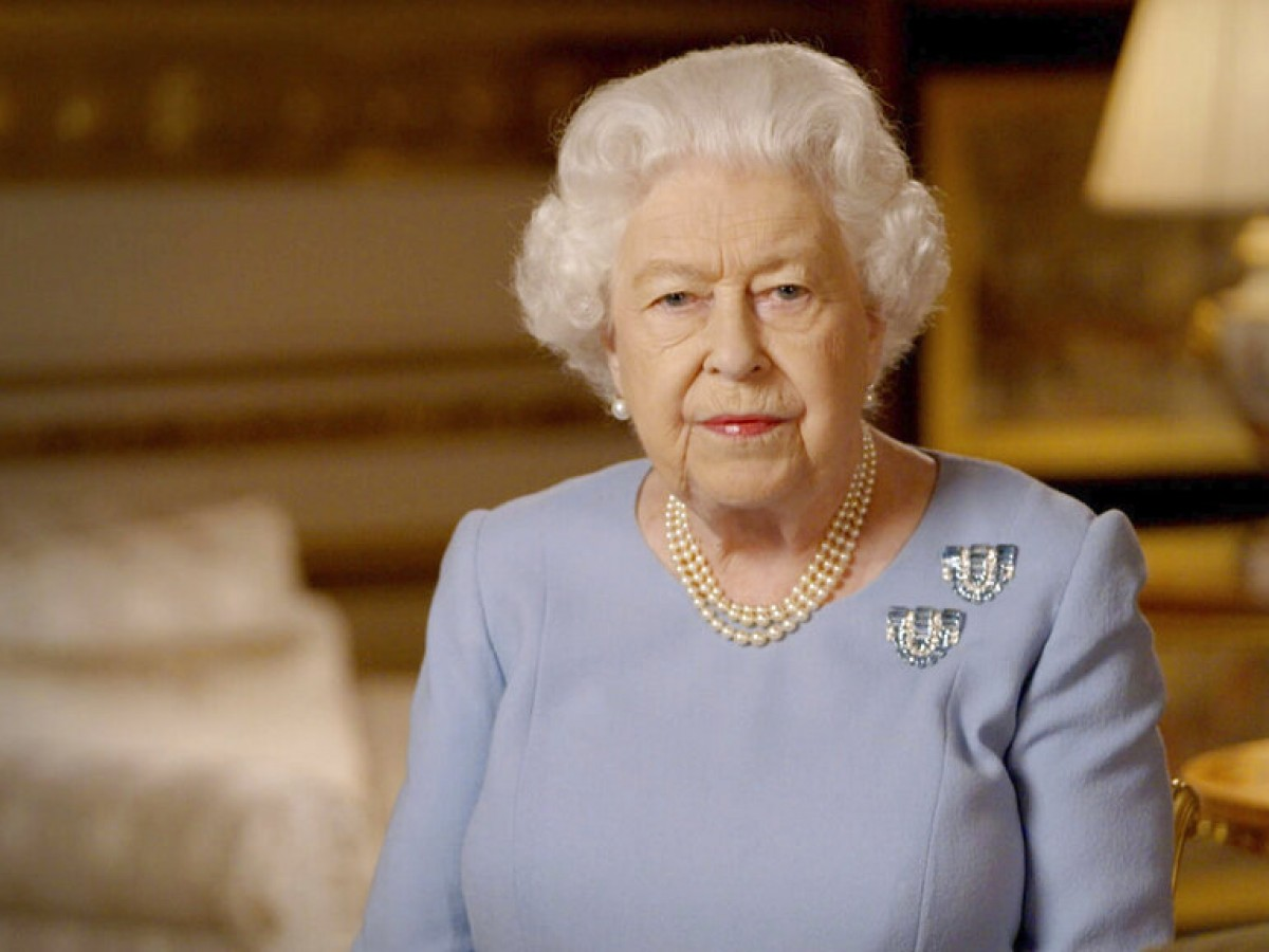 Elizabeth II insta a los británicos a no rendirse en su mensaje del Día de la Victoria
