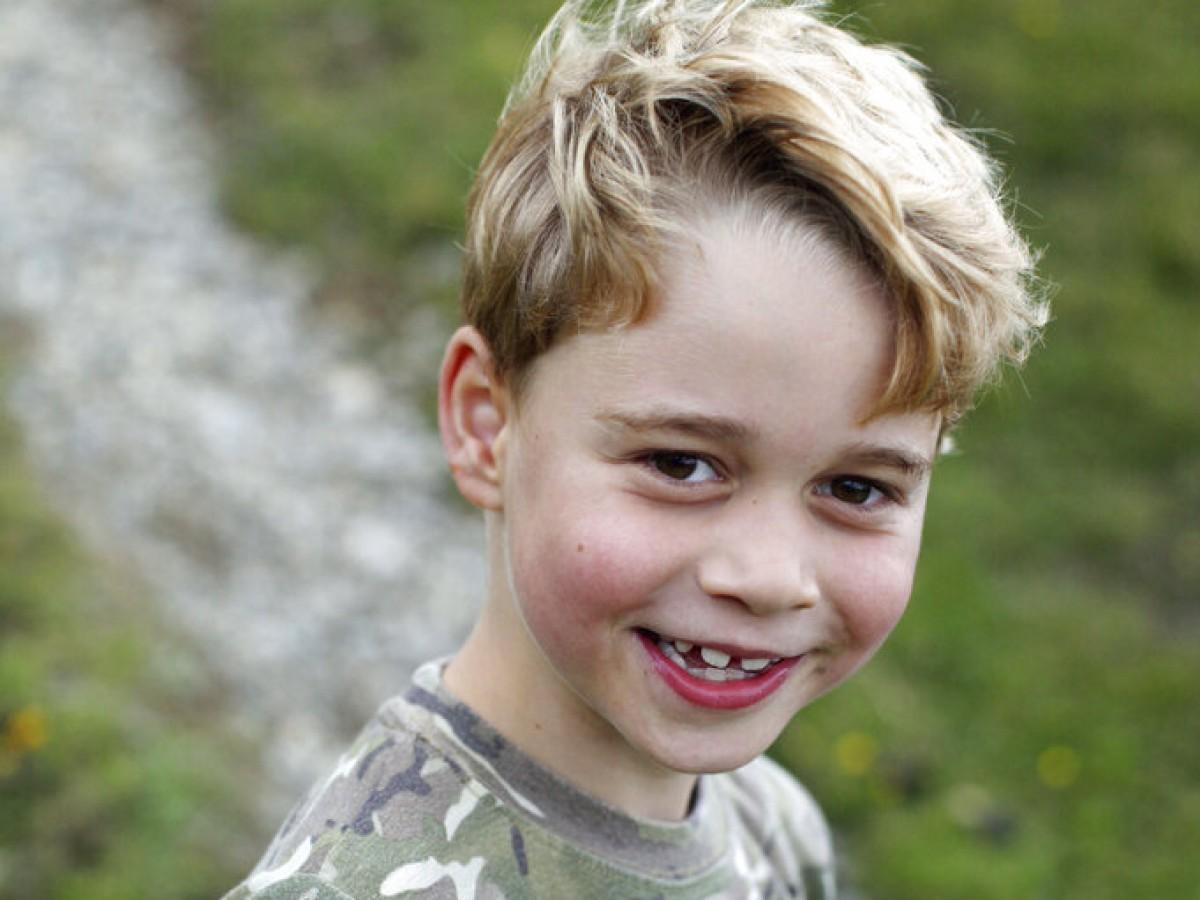 El príncipe George ya sabe cuál será el regalo de su abuelo Charles cuando alcance la mayoría de edad