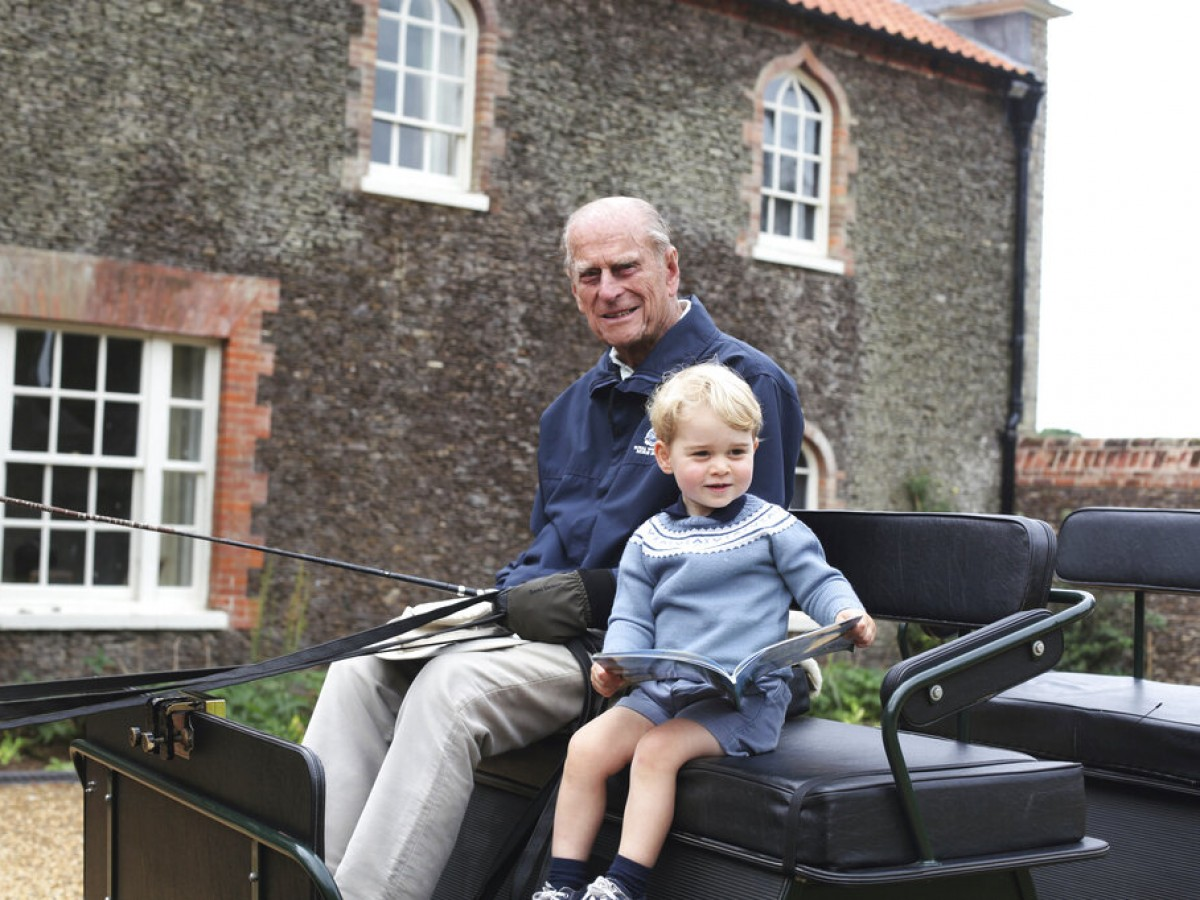 William y Harry recuerdan el ingenio y el servicio de su abuelo, el príncipe Philip