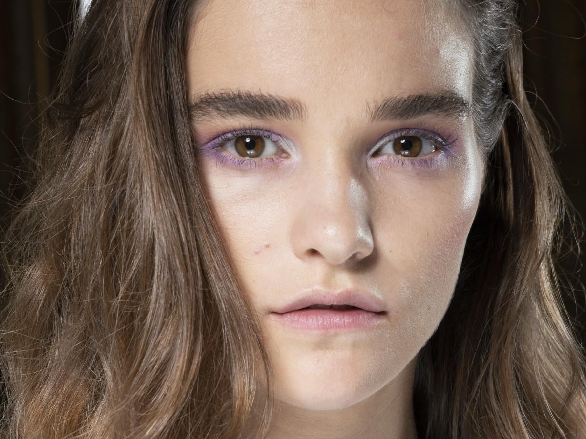 Cinco consejos para reducir la apariencia oleosa en el rostro