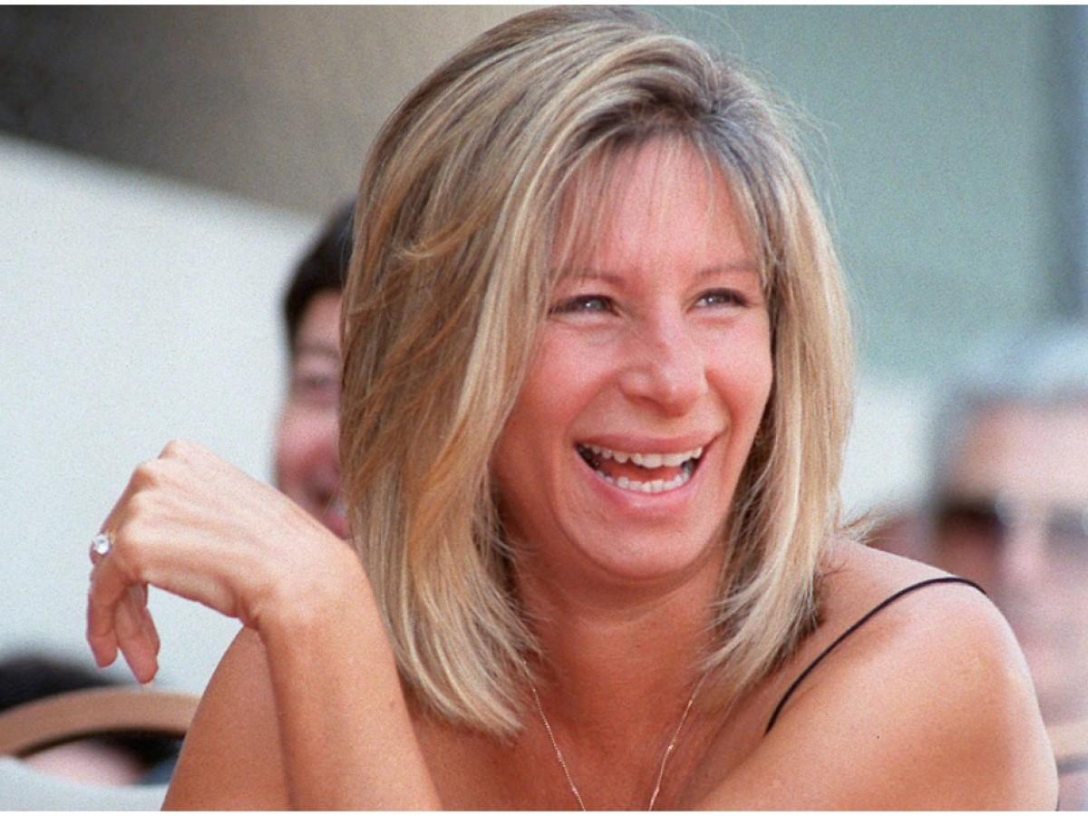"""Barbra Streisand sobre el príncipe Charles: """"Podría haber sido la primera princesa judía"""""""