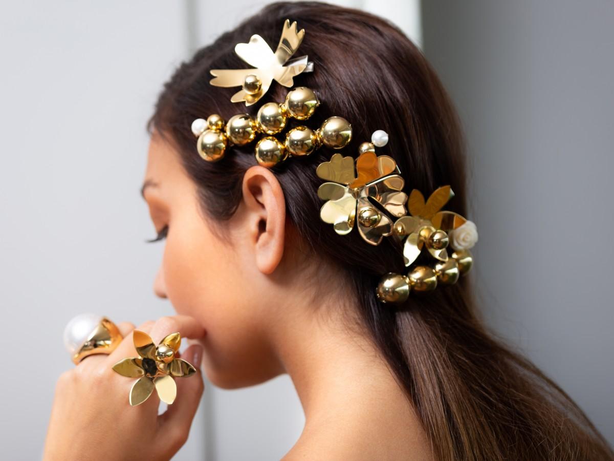 Sigue la tendencia de joyas para el cabello