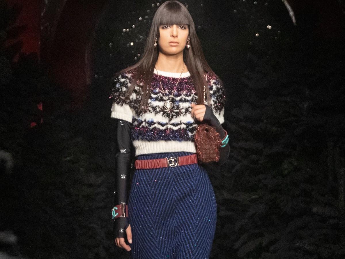 Chanel juega con la texturas y el estilo montañero en su nueva colección