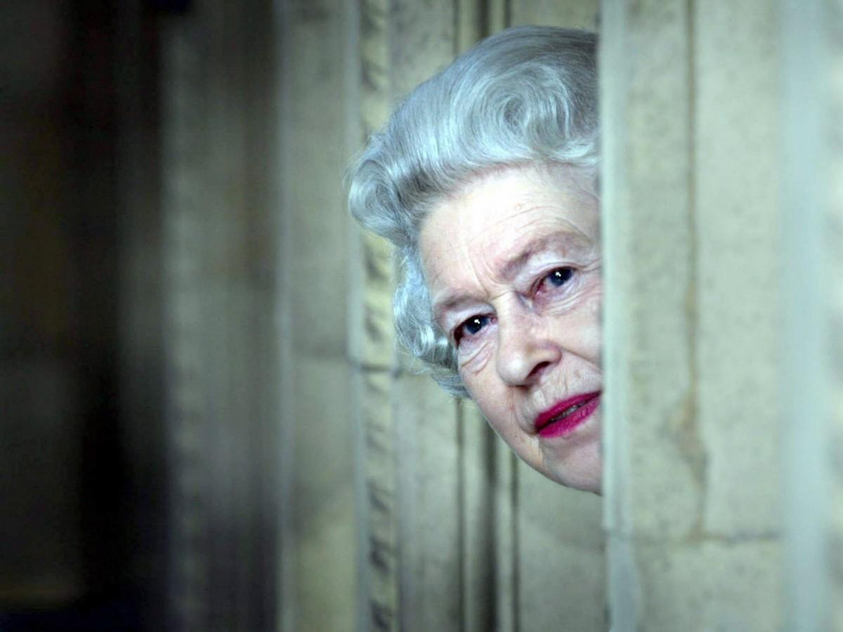 Revelan espacios secretos del palacio de Elizabeth II