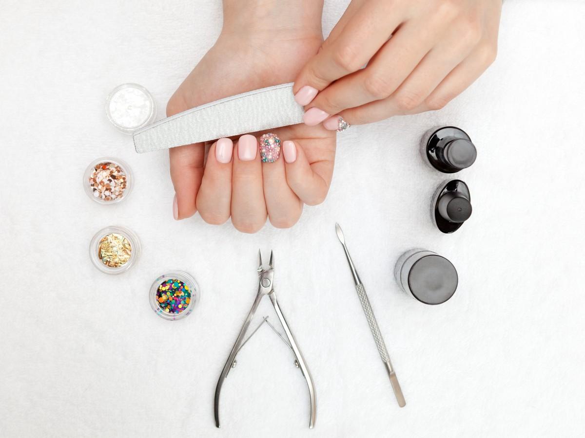 Consejos para cuidar tus uñas en casa