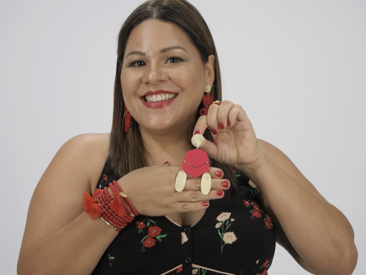 Mónica Martínez Marín aprovecha la cuarentena para acercarse más a sus clientas