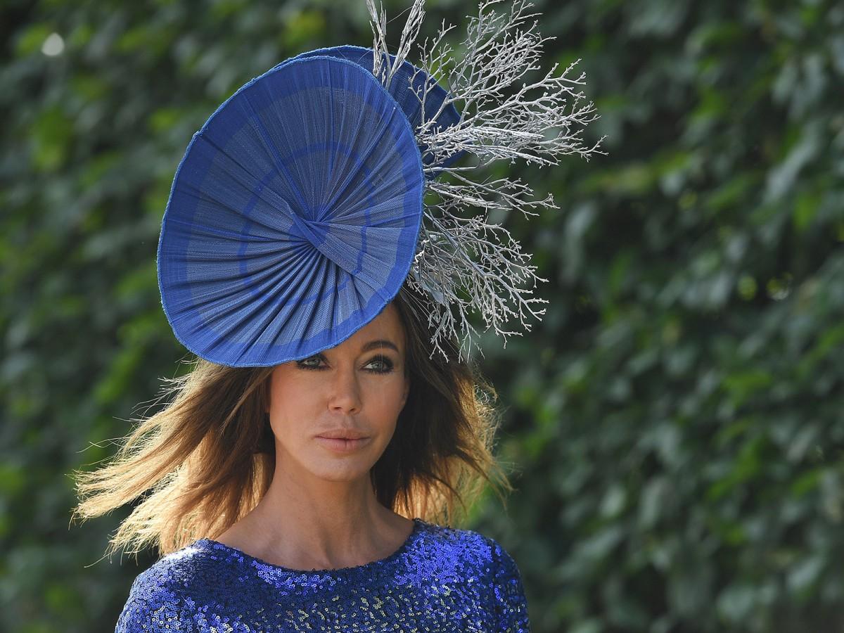 Las carreras de Ascot se celebran sin la reina y sin sombreros llamativos