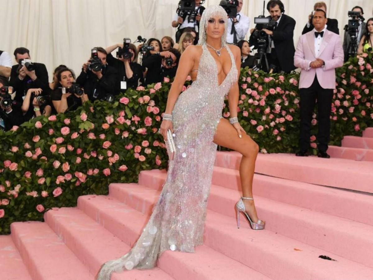 Jennifer López cumple 50 años y sigue siendo la diva latina