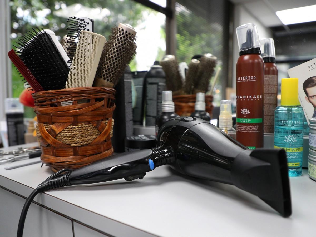 Una veterana peluquera reflexiona sobre los cambios en esta profesión