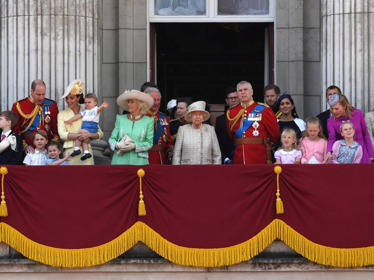 La familia real británica se suma al aplauso nacional