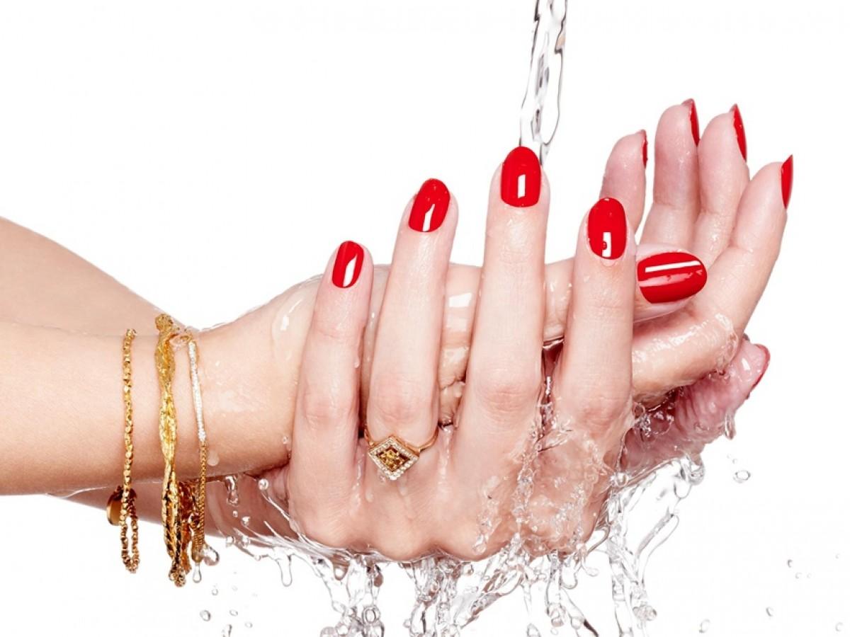 Cómo pintarte las uñas en casa