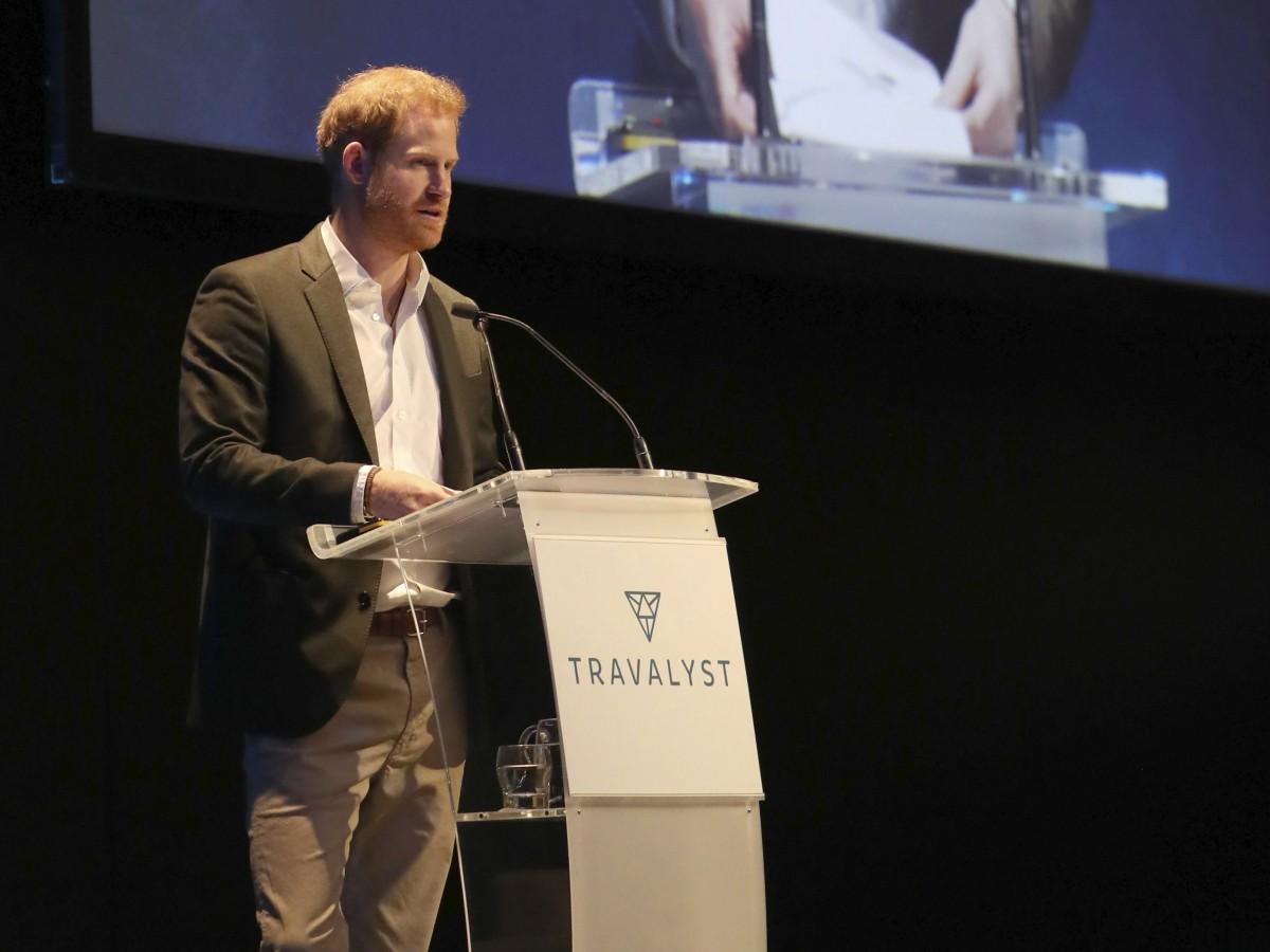 El príncipe Harry evita etiquetas reales en Escocia