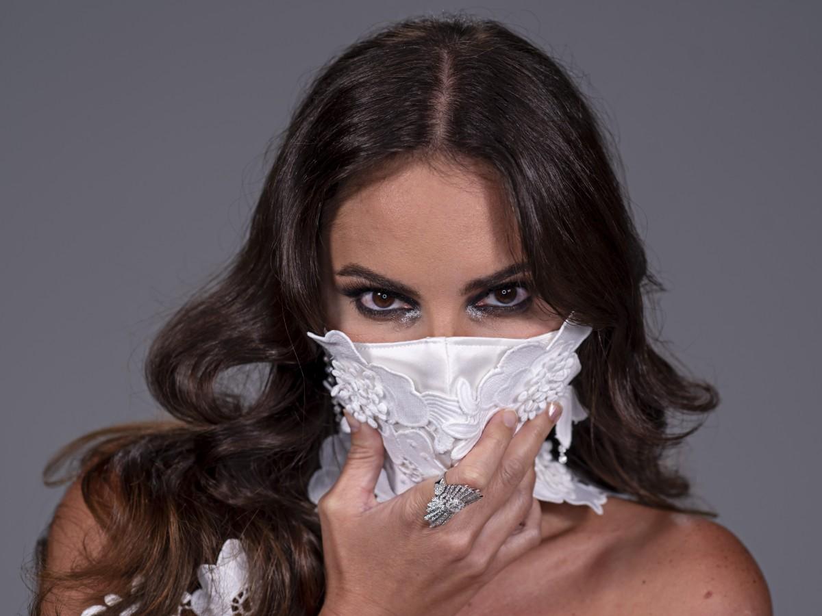 Tres elementos que complementa tu maquillaje en tiempos de pandemia