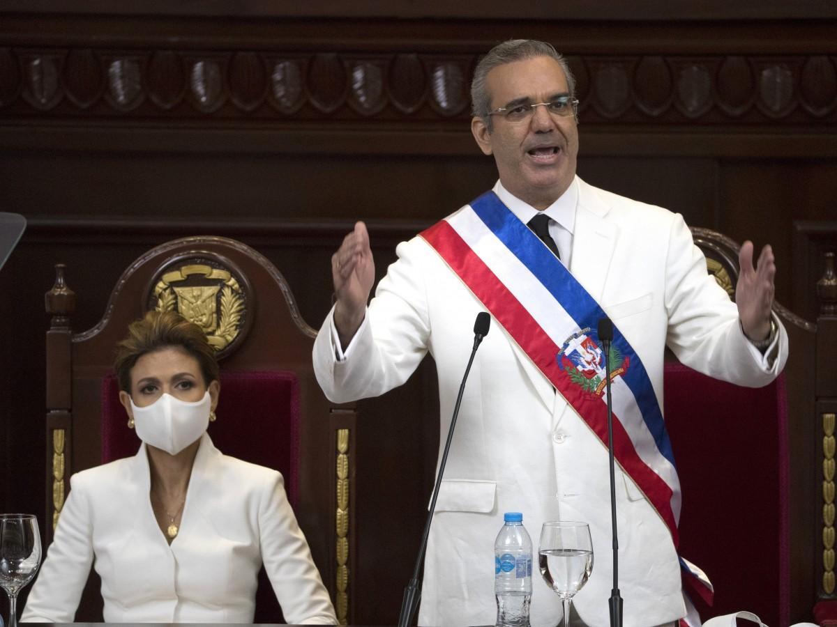 Predomina la elegancia en la toma de posesión del nuevo presidente dominicano