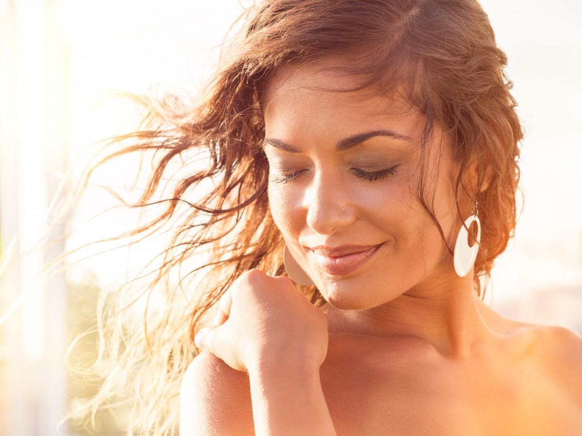 Aprovecha el momento para de sanar tu piel y tu cabello de los estragos causados por el sol