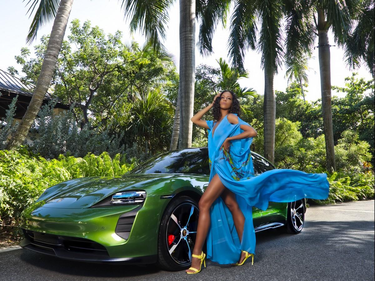 Explora la isla a tono con las tendencias de moda y en tu auto de ensueño