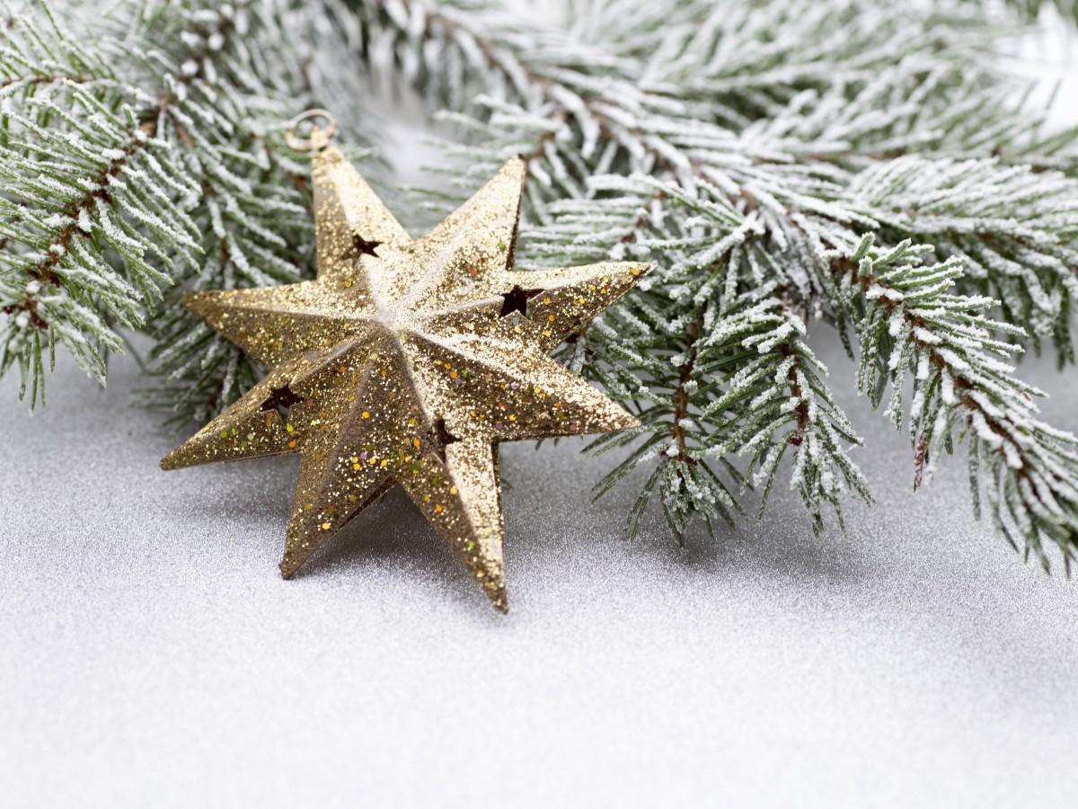 Impera el brillo para decorar el hogar en el fin de año