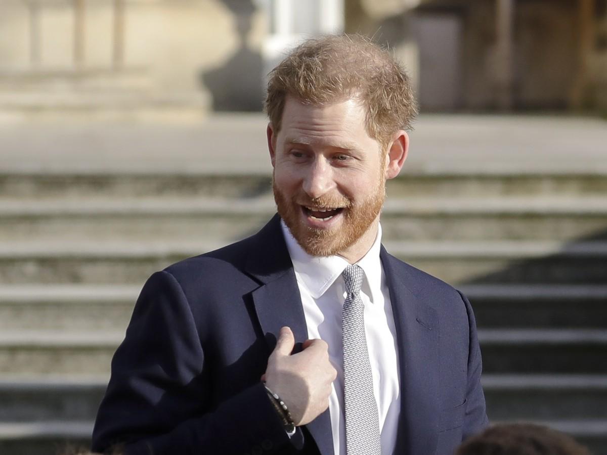 """El príncipe Harry se separó de la Casa Real para huir de la prensa """"tóxica"""""""