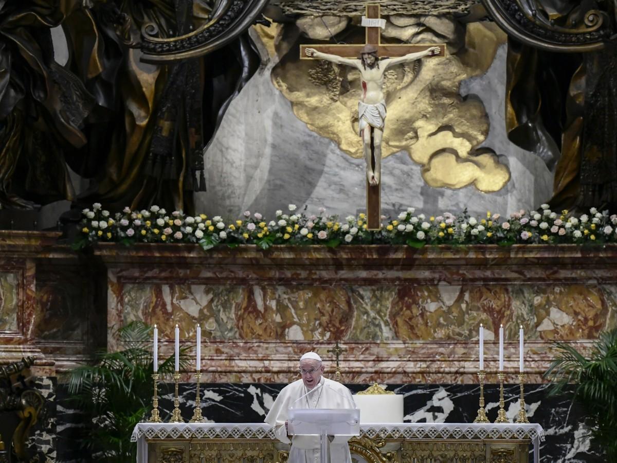 Papa Francisco elogia devoción de Philip de Inglaterra por la familia