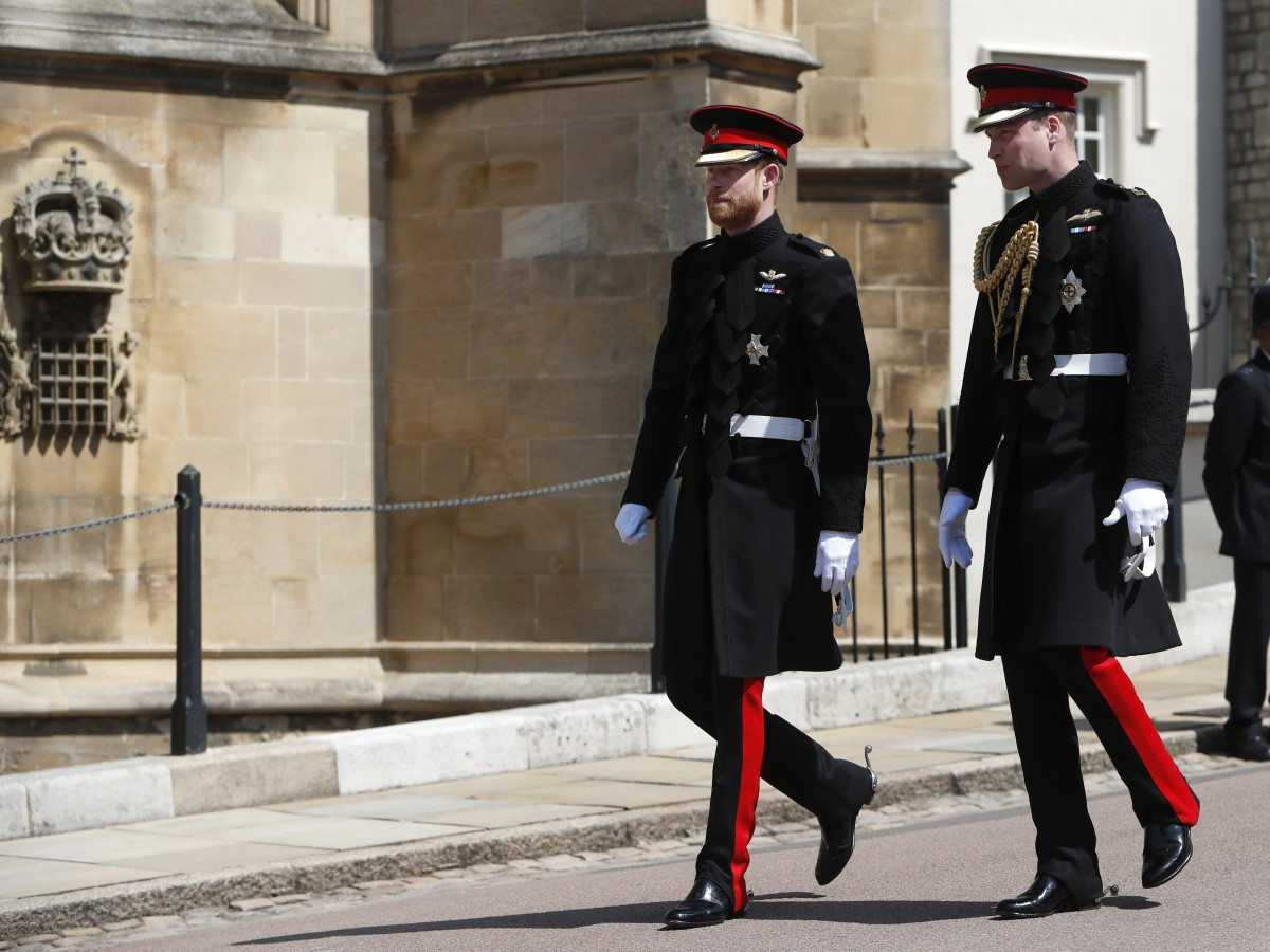 Los príncipes William y Harry no caminarán juntos en el funeral de su abuelo