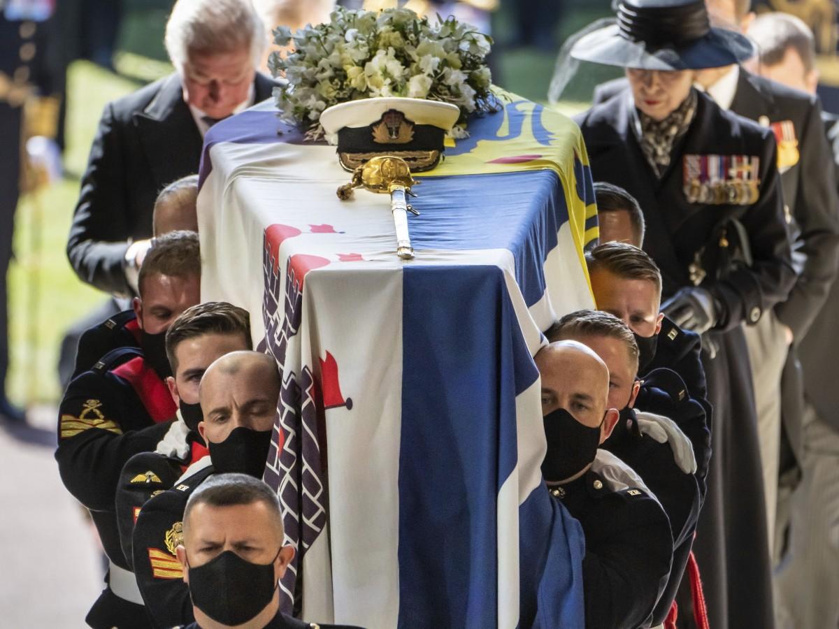 Los restos del príncipe Philip yacen en la cripta real de la capilla de St. George
