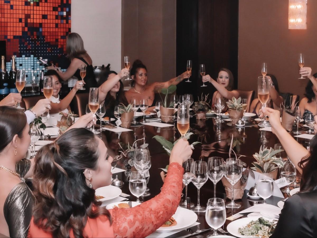 Diner de dames: un encuentro de empoderamiento,  buen gusto  y  mucho glamour