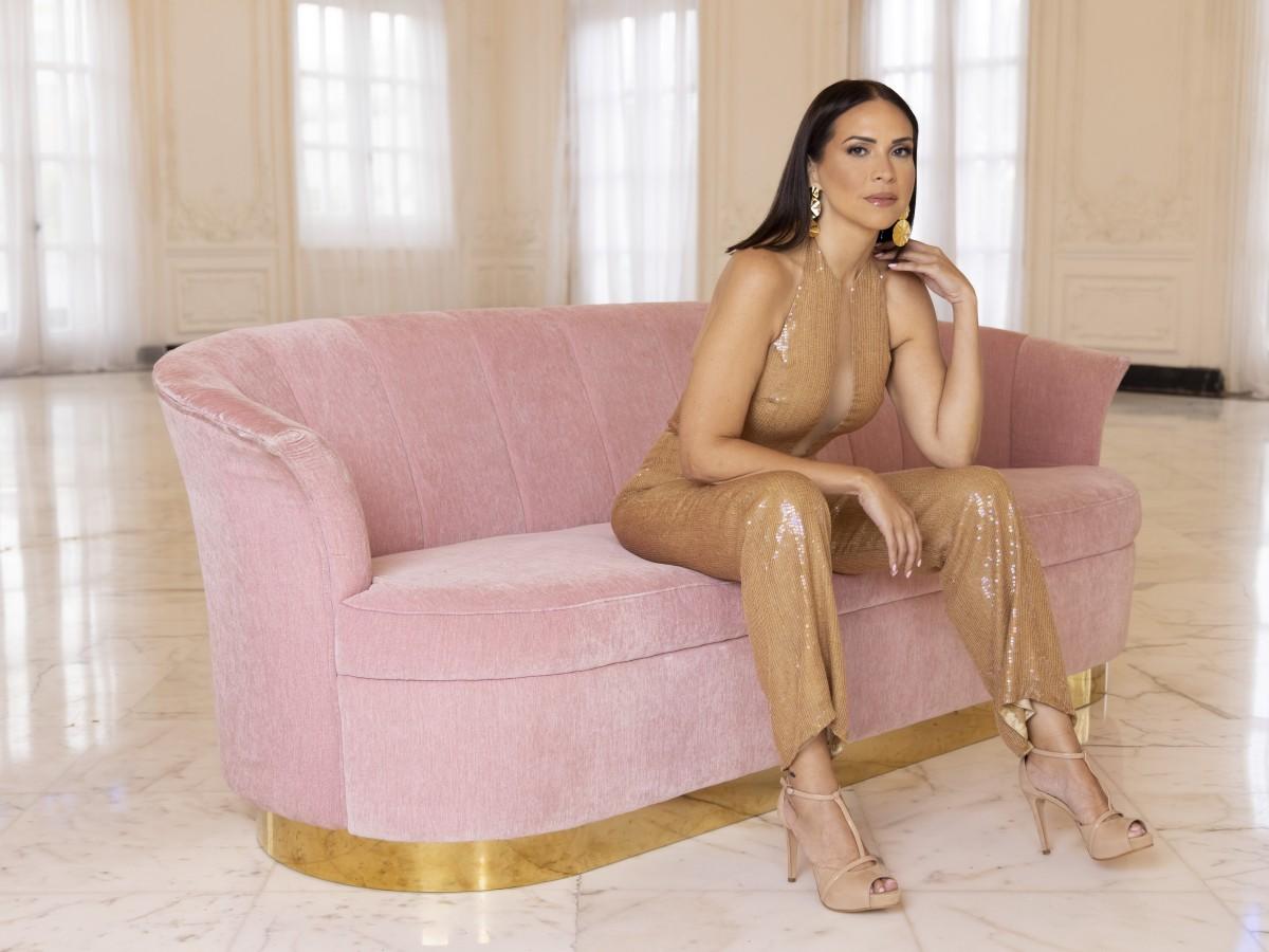 Yaska Crespo muestra un estiloso camino al altar