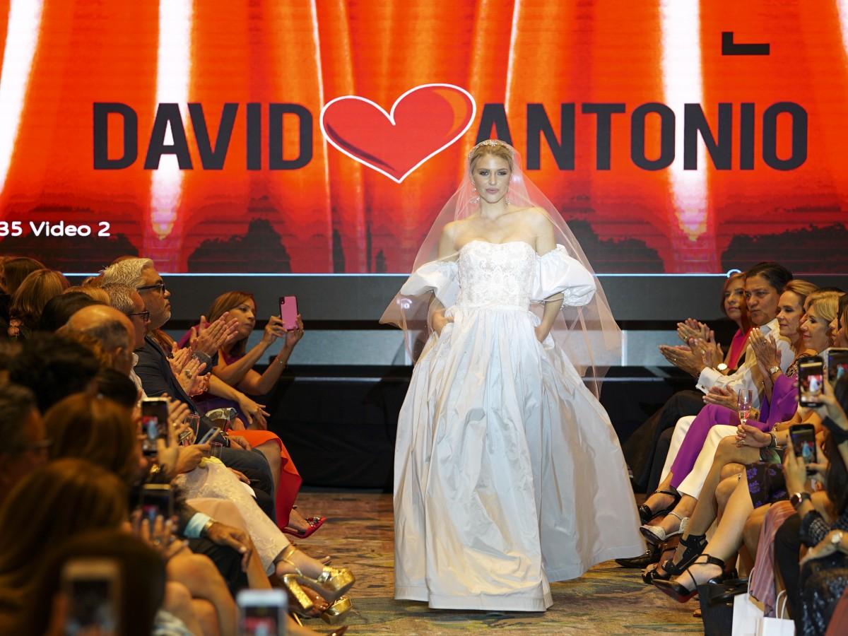 David Antonio festeja en la pasarela sus 35 años en la moda