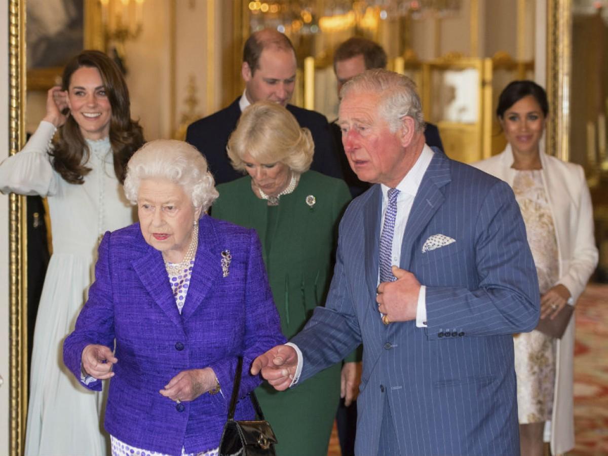 ¿Cuántas horas trabajaron los miembros de la familia real británica en 2019?