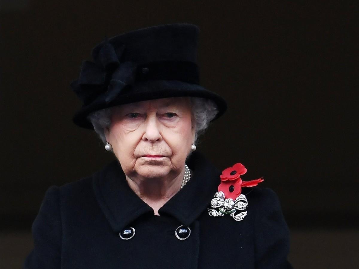 Elizabeth II cumple su primer compromiso tras la muerte del duque de Edimburgo