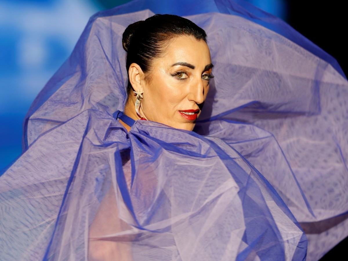 La actriz Rossy de Palma se roba el show en la pasarela de la semana de la moda de Madrid